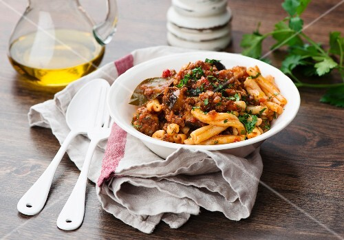 Pasta with a lamb and aubergine sauce and yoghurt