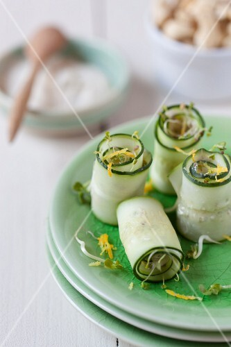 Cucumber rolls with bean sprouts and lemon zest