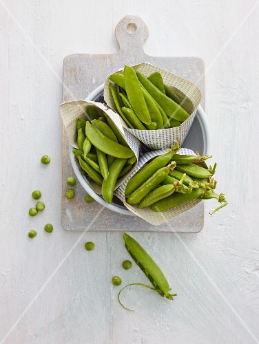 Broad beans and pea pods