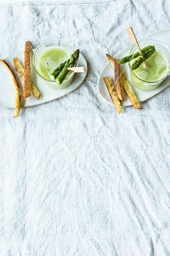 Green asparagus gazpacho