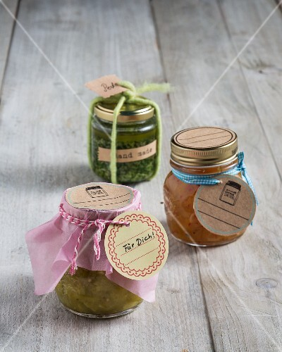 Paper labels for homemade preserves in jars as a gift