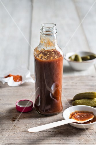 Homemade cola and barbecue sauce (America)