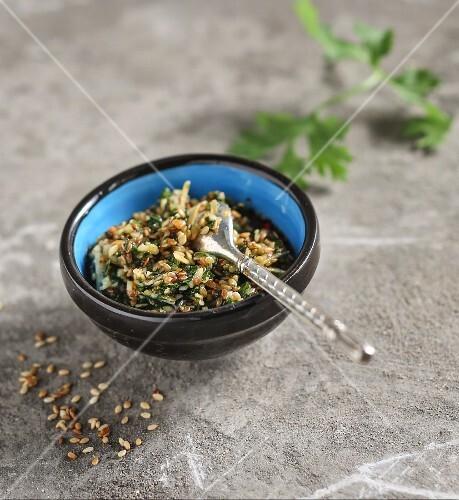 Sesame pesto with coriander seeds