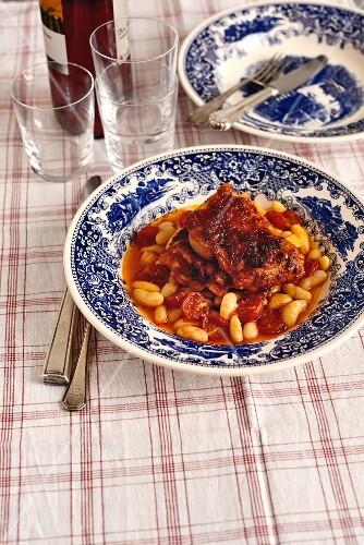 Pepper chicken 'casa do alentejo' with cannellini beans (Portugal)