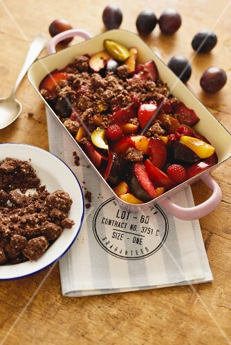 Chocolate plum crumble (USA)