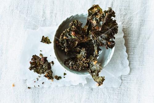 Fried green kale chips