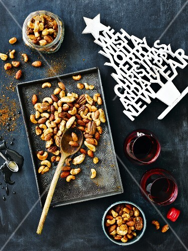Spicy nuts and red wine for Christmas