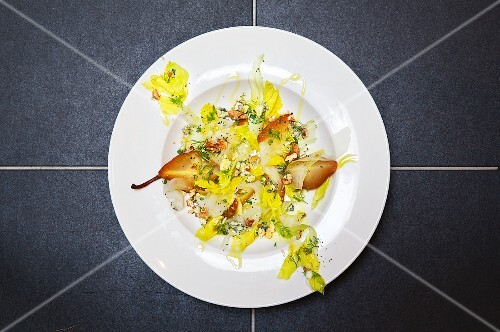 Pear salad with blue cheese (seen from above)