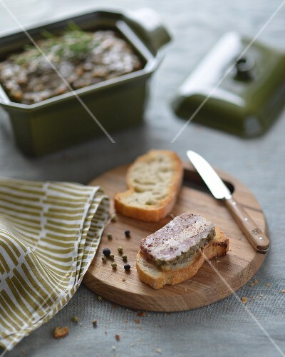 An autumnal terrine with slices of toasted baguette