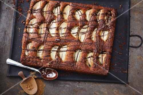 Apple and chocolate cake