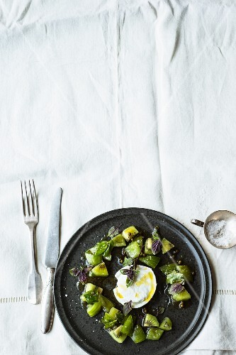 Green tomato and kiwi salad with buffalo mozzarella