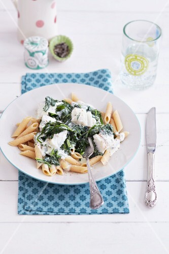 Spinach and fish pasta