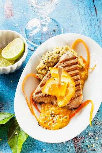 Tuna fish steak with oranges