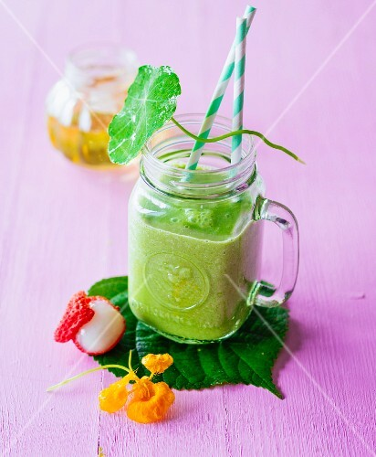 Love & More (a green smoothie made with lychees, oranges, avocado and herbs)