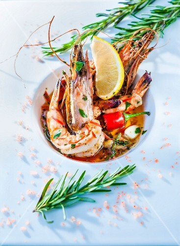 King prawns with rosemary and chillis
