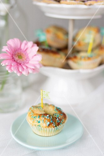 Buns decorated with sugar pearls