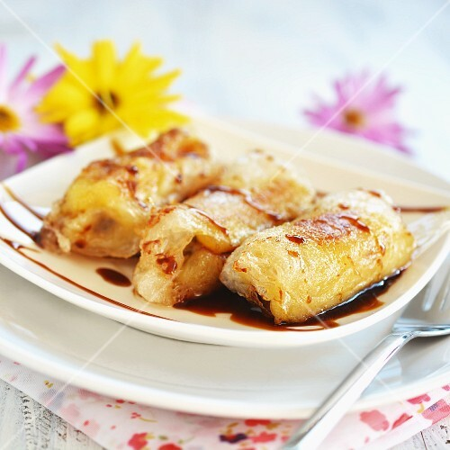 Fried bananas wrapped in rice paper