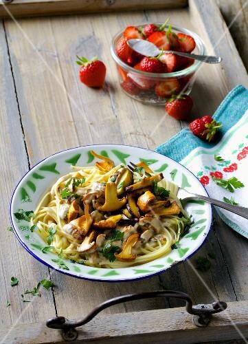 Linguine with a creamy mushroom sauce and fresh parsley