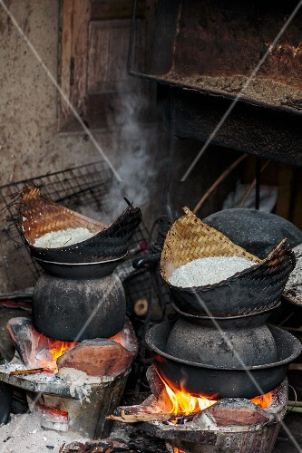 Baskets of sticky rice from a wood-fired oven (Luang Prabang, Laos)