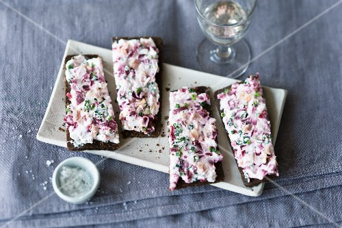 Pumpernickel with a quark, beetroot and smoked trout spread