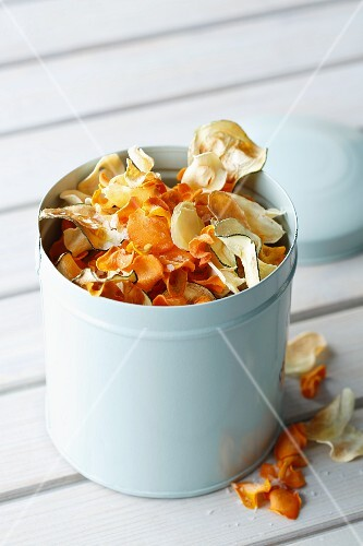 Vegetable crisps made from carrots and courgettes