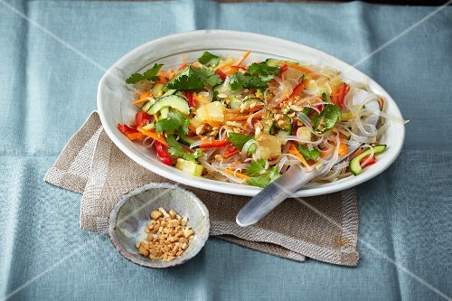 Sweet-and-sour vegetable salad with rice noodles