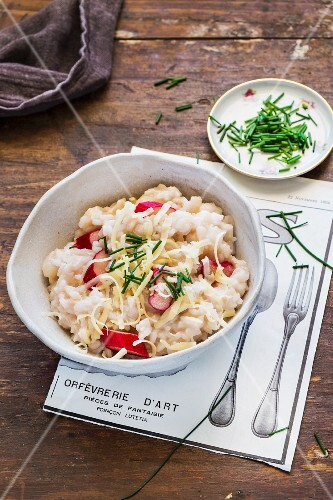 Rhubarb risotto with chives