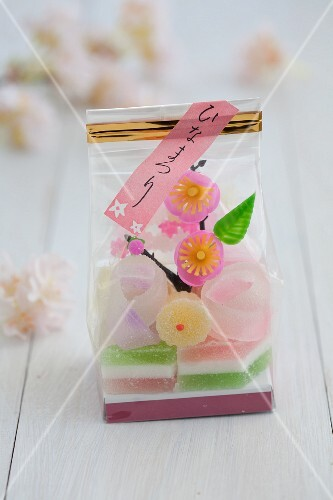 Japanese sweets for Hinamatsuri (Doll's Day) in march