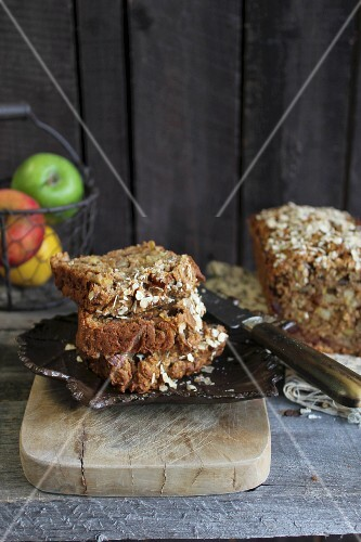 Rustic apple bread with oats