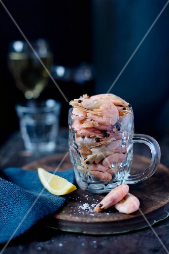 Cooked king prawns in a tankard