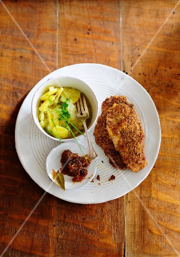 Breaded escalope with potato salad