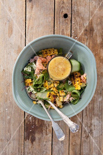 Grilled corn salad with a pineapple dressing