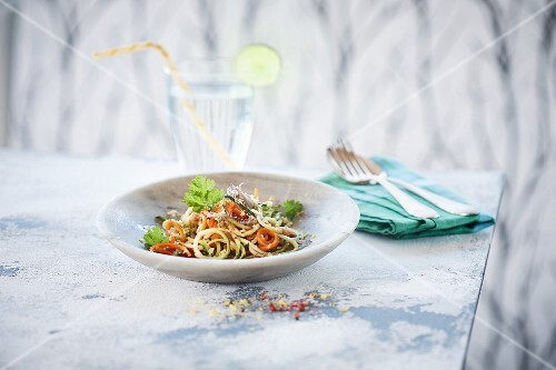 Vegetable spaghetti with lemonade
