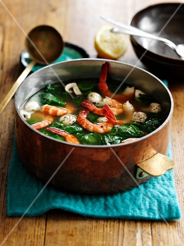 Seafood soup (spicy sour)