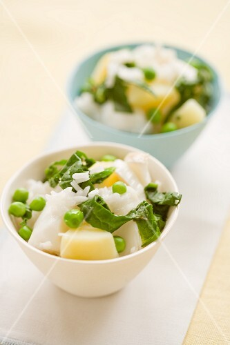 Cod with potatoes, peas and spinach
