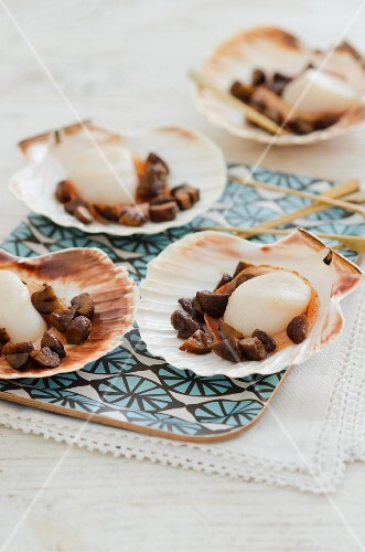 Scallops with chestnuts and Pancetta