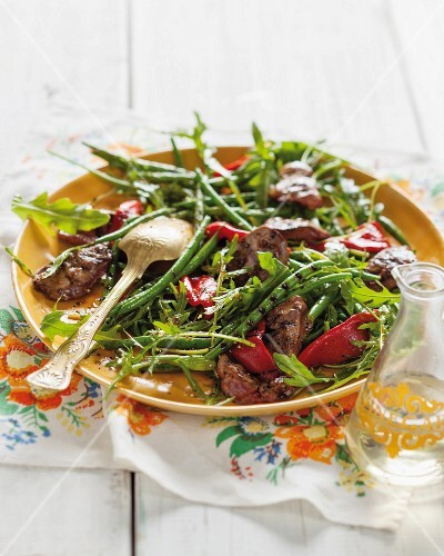 A grilled bean and chicken liver salad