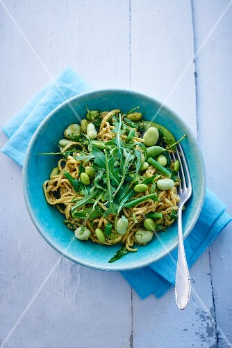 Linguine with fava beans and rocket