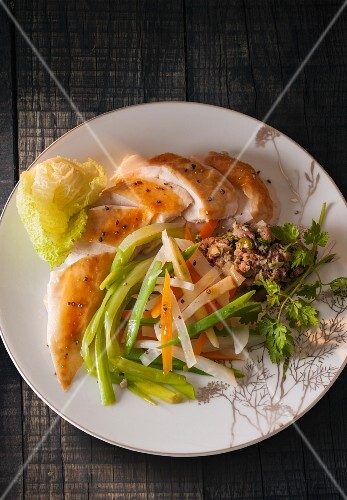 Chicken breast with steamed vegetables