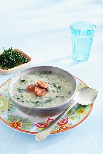 Caldo verde (cabbage soup, Portugal)