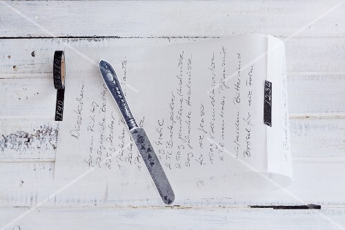 A handwritten recipe as a decoration for a gift
