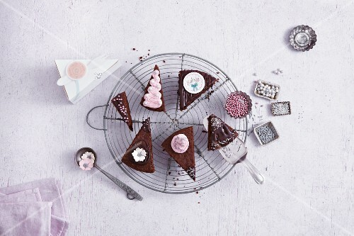 Decorated slices of cake