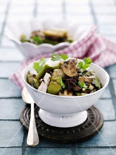 Chicken with leek, cauliflower, mushrooms, star anise and coriander (Asia)