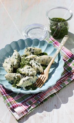 Wild garlic gnocchi with wild garlic pesto