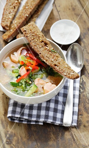 Fine fish soup with peppers and leek
