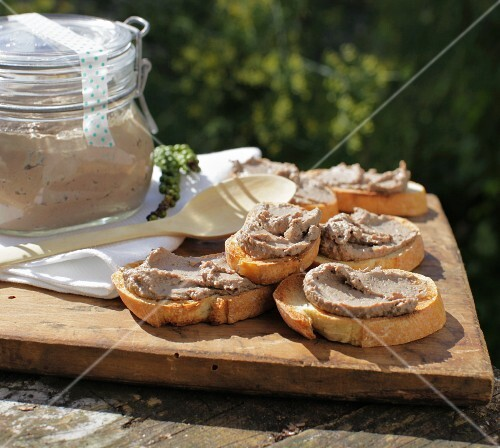 Chicken liver pâté on slices of crispy baguette