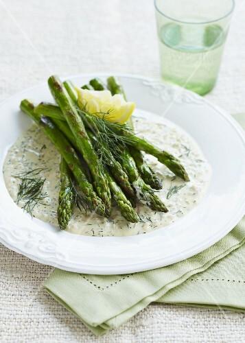 Asparagus in a dill sauce with lemon