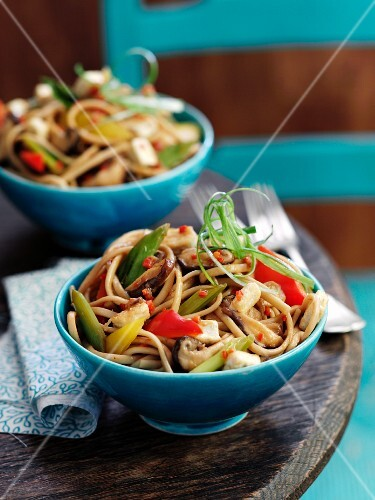 Noodles with tofu and peppers (Asia)