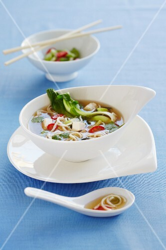 Chicken noodle soup with bok choy, coriander and chilli (Asia)