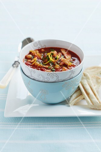 Tom yum soup with prawns and tomatoes (Thailand)